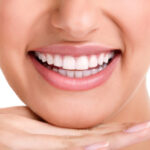 יישור שיניים לינגואלי ליישור שיניים אסתטי ונסתר